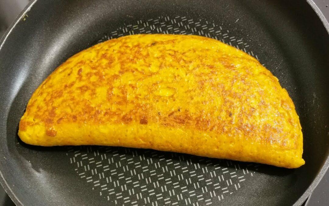 Tortilla de zanahoria y queso mozarella.
